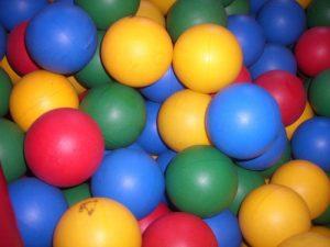 Шарик цветной для сухого бассейна D 68мм 09006