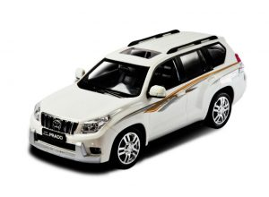 Автомобиль аккум р/у 1:16 Toyota Land Cruiser 50200