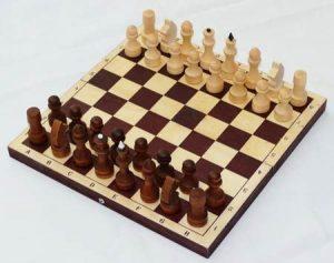 Настольная игра Шахматы обиходные парафинированные в темной доске Р-12